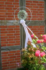 Hochzeit in Vogelers Haus, Schleife am Eingang